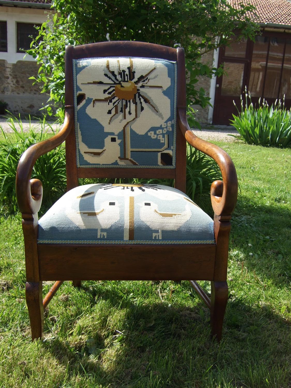 Ancien fauteuil « d'aisance » d'époque Louis-Philippe en bois fruitier : Avant – Après