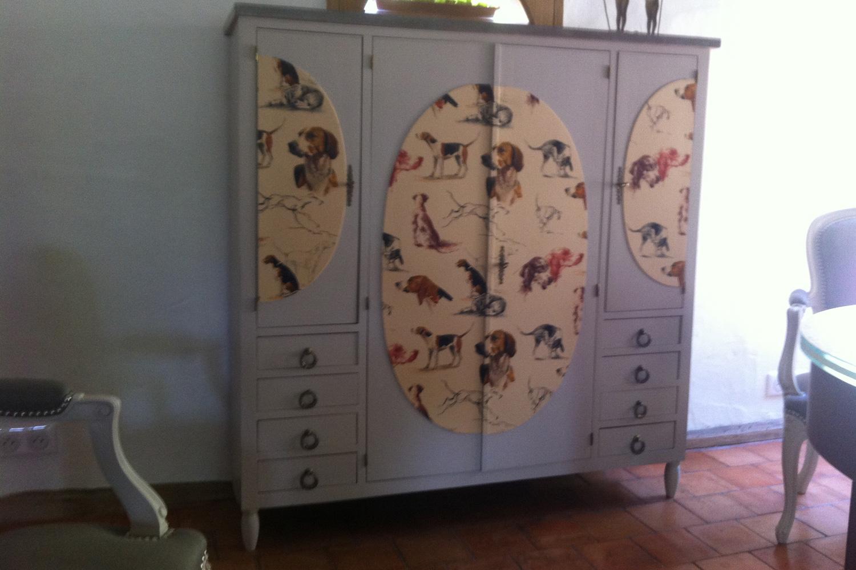 Petite armoire remise au goût du jour pour un passionné de chasse