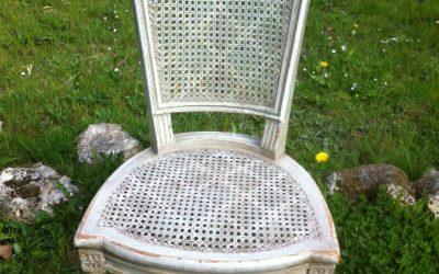 Une chaise cannée de style Louis XVI de qualité !